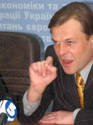 Спасите наш бизнес: Украина не может без торговли с Крымом и ДНР